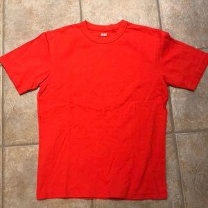 Uniqlo men's t-shirt, small